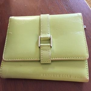 Kenneth Cole New York like green wallet